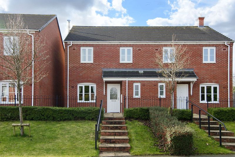 3 Bedrooms Semi Detached House for sale in Sanders Way, Lichfield