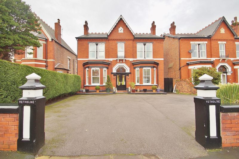 4 Bedrooms Detached House for sale in Balfour Road
