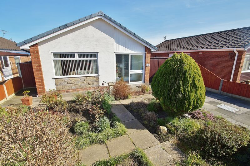 2 Bedrooms Detached Bungalow for sale in Norbury Close, Southport