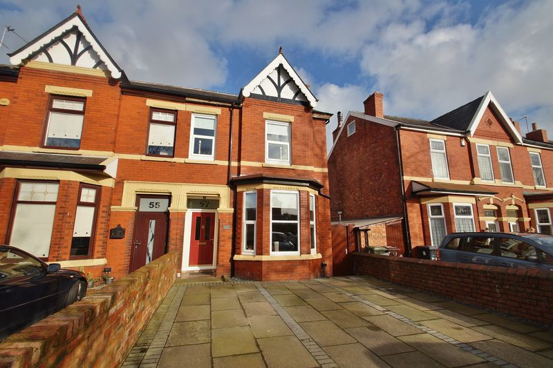 4 Bedrooms Semi Detached House for sale in Norwood Road, Southport