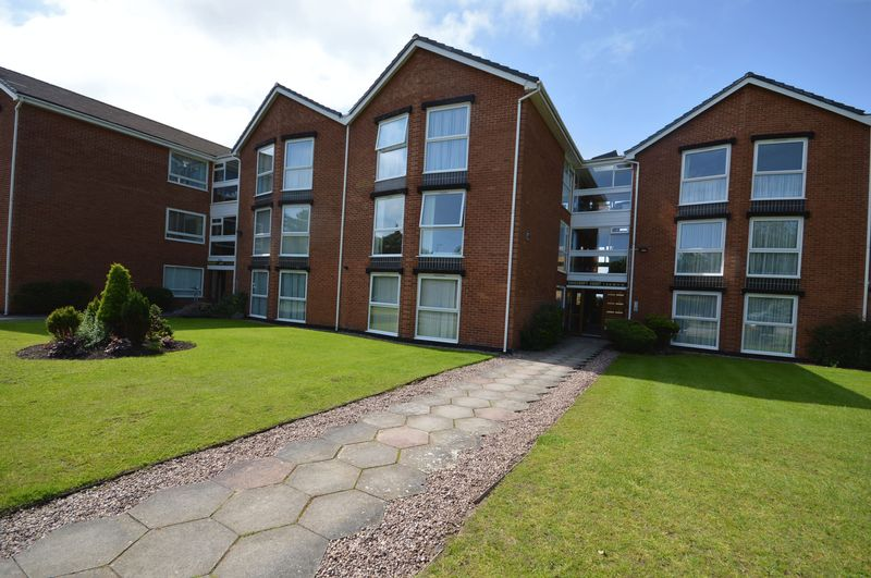 2 Bedrooms Flat for sale in Rosecroft Court, Hoylake