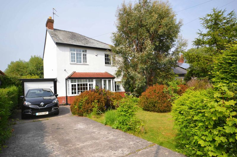 3 Bedrooms Detached House for sale in Hawthorn Drive, Newton