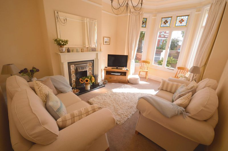 2 Bedrooms Flat for sale in Hydro Avenue, West Kirby