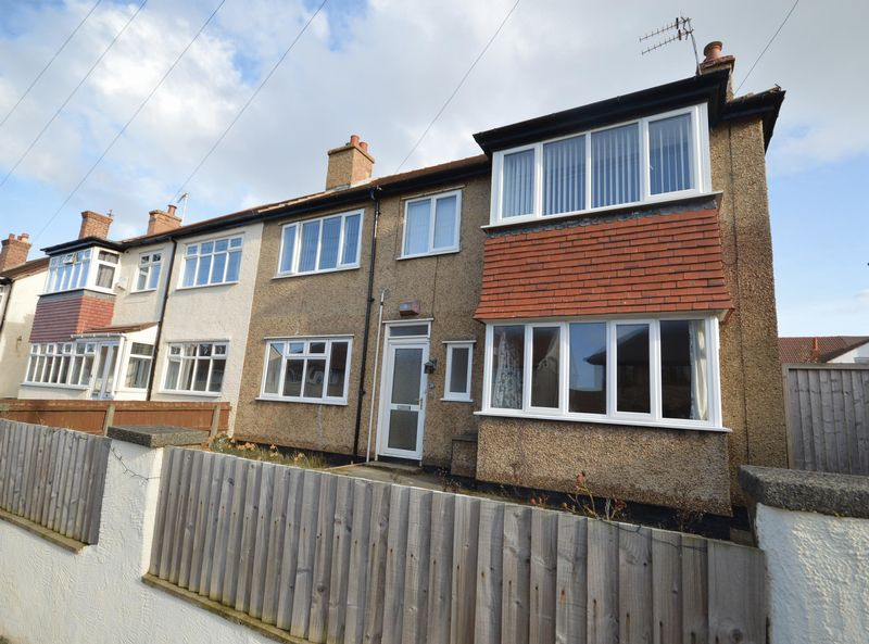 2 Bedrooms Flat for sale in Avondale Road, Hoylake