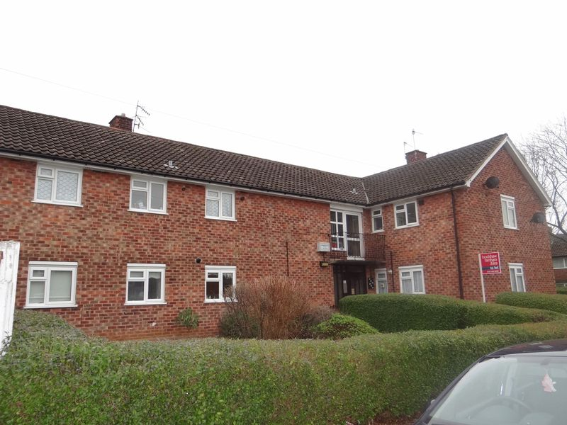 2 Bedrooms Flat for rent in Gainsborough Road, Wirral