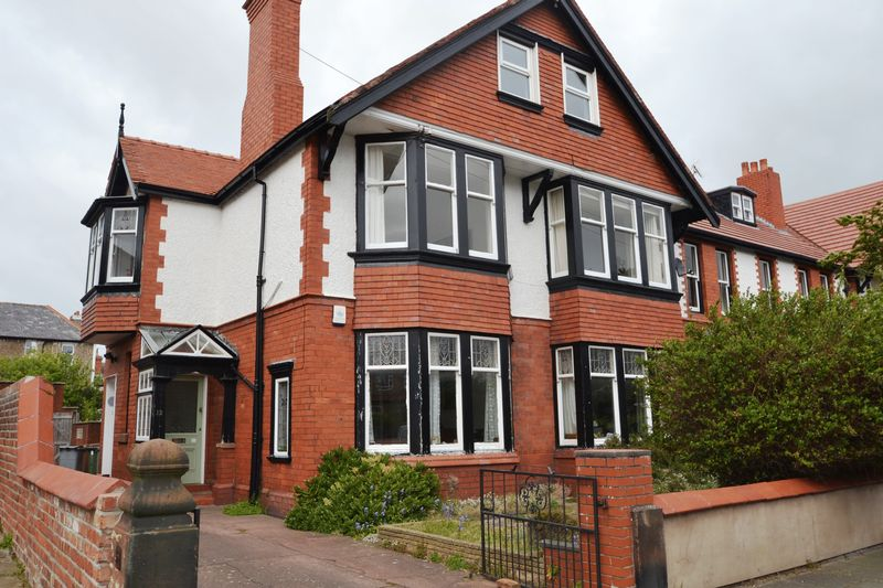 3 Bedrooms House for sale in Sandlea Park, West Kirby