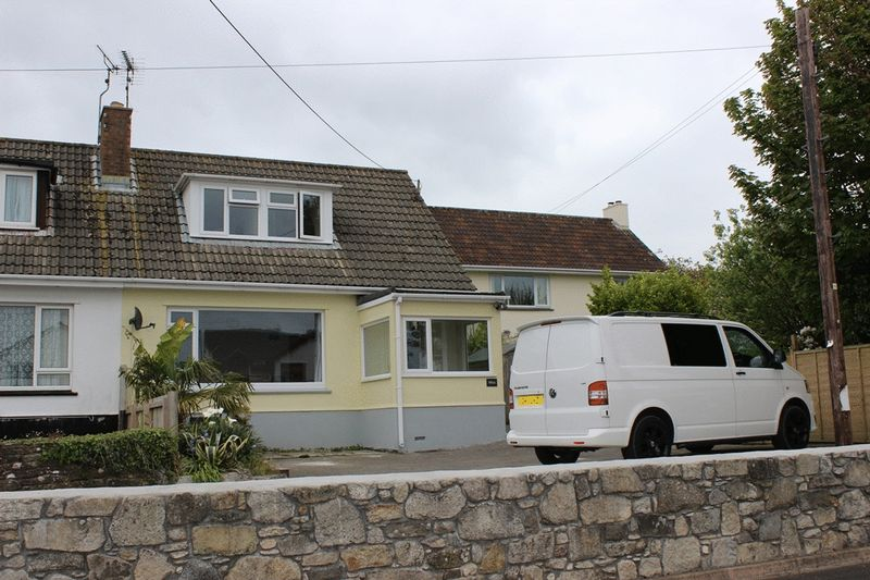 2 Bedrooms Semi Detached House for sale in Bownder Vean, St. Austell