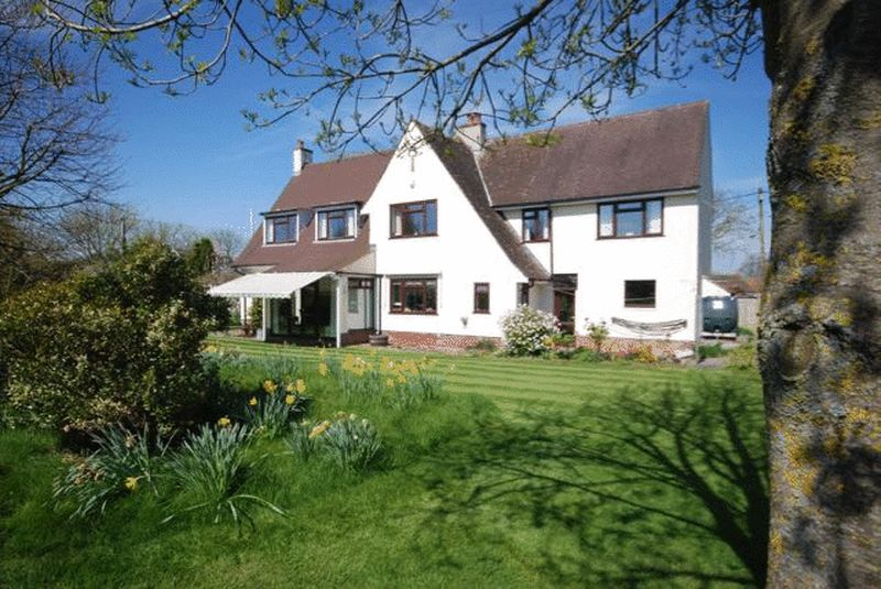 5 Bedrooms Detached House for sale in Castle Cary