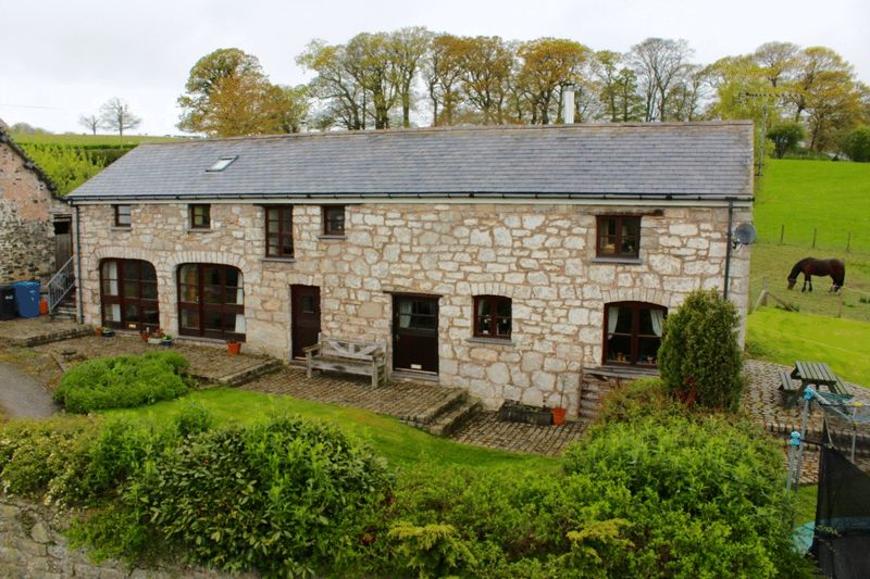 3 Bedrooms Cottage House for sale in Prion, Denbigh