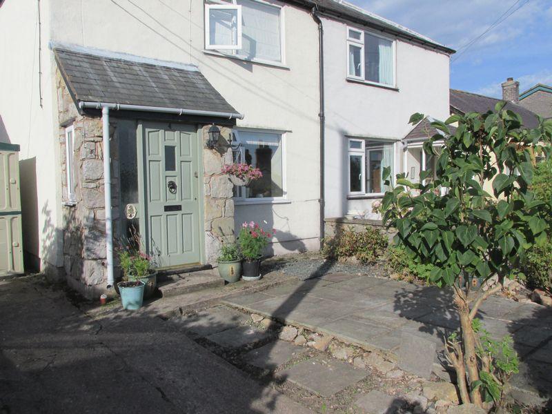 2 Bedrooms Semi Detached House for sale in Henllan, Denbigh