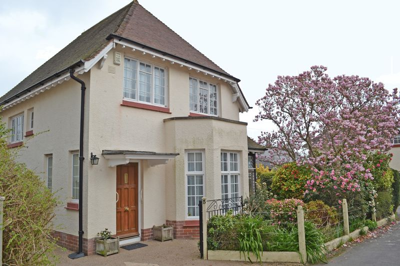 3 Bedrooms Detached House for sale in Roselands, Sidmouth