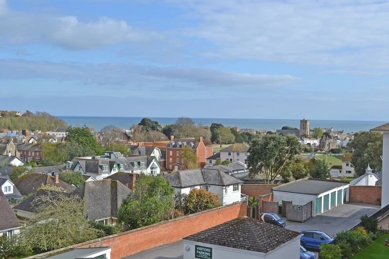 2 Bedrooms Flat for sale in All Saints Road, Sidmouth