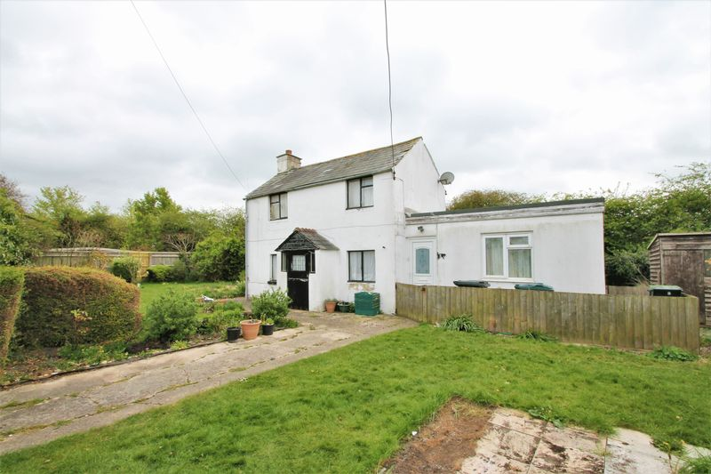 3 Bedrooms Detached House for sale in Chelworth Road, Cricklade, Wiltshire