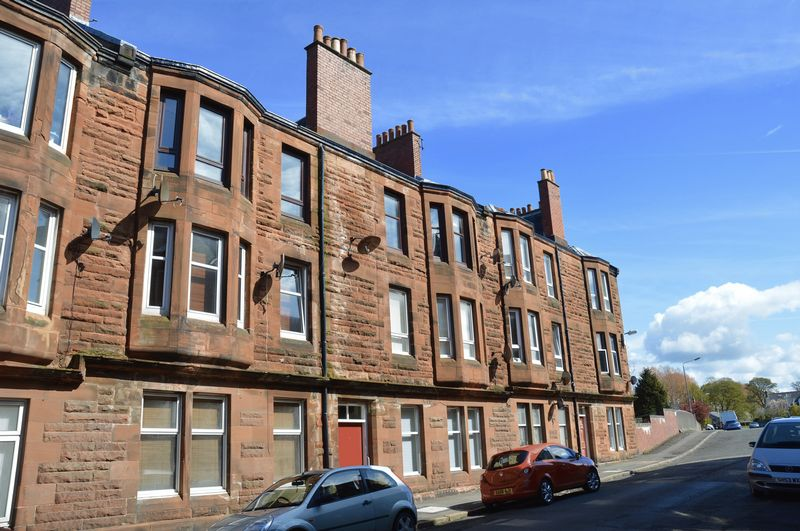 2 Bedrooms Flat for sale in Craigie Avenue, Ayr