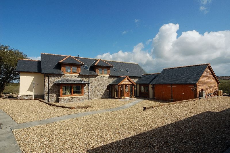 5 Bedrooms Detached House for sale in Pettoch Farm, Ayr