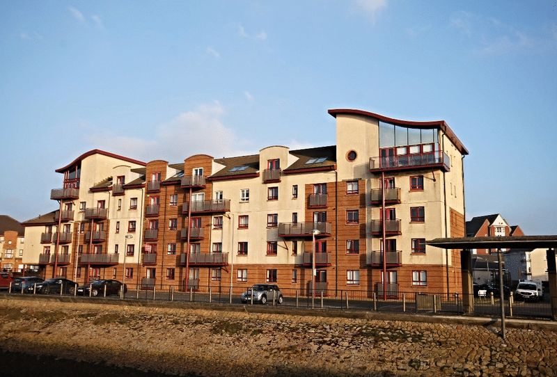 2 Bedrooms Flat for sale in South Beach Road, Ayr