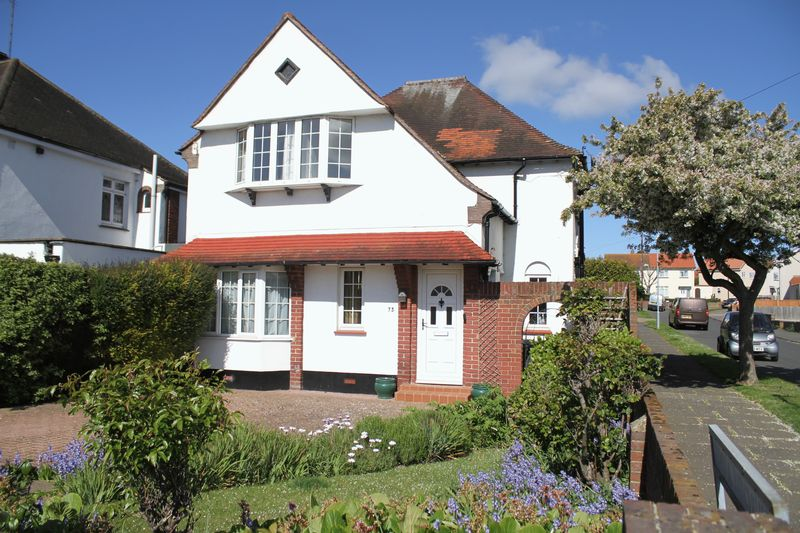 3 Bedrooms Detached House for sale in Balfour Road, Walmer