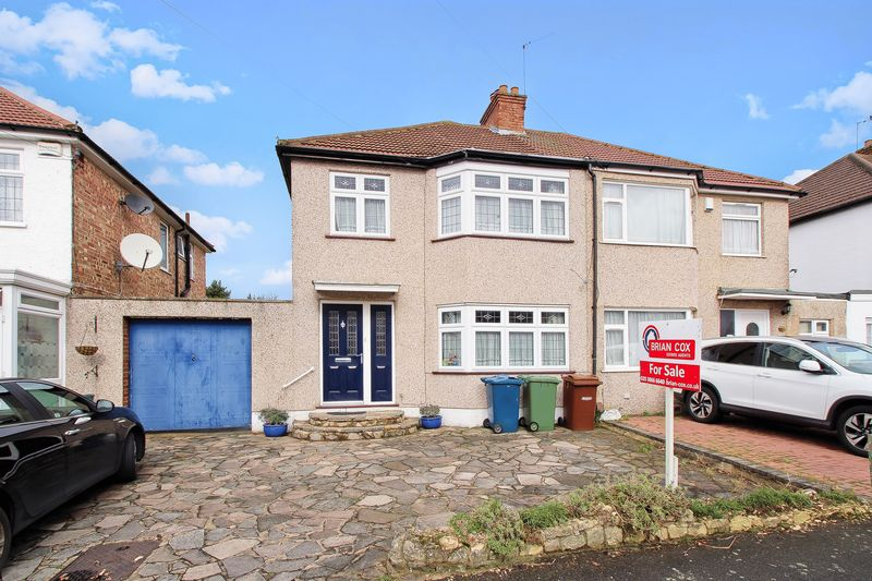 3 Bedrooms Semi Detached House for sale in Canterbury Road, North Harrow