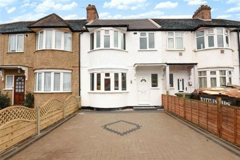 3 Bedrooms Terraced House for sale in Carmelite Road, Harrow