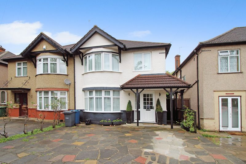 3 Bedrooms Semi Detached House for sale in Parkfield Avenue, North Harrow