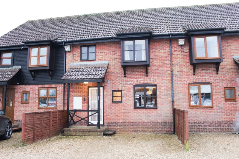 3 Bedrooms Terraced House for sale in Staitheway Road, Norwich