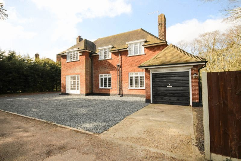 5 Bedrooms Detached House for sale in Mons Avenue, Norwich