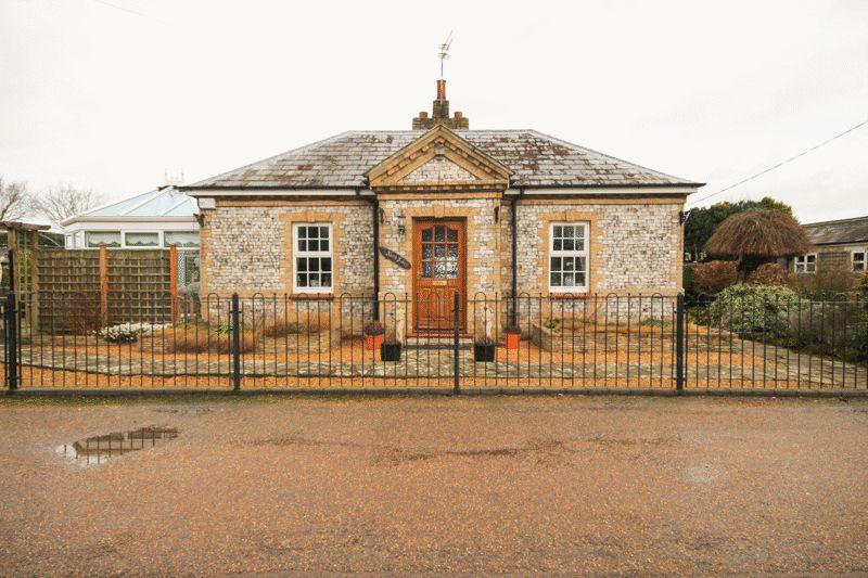 3 Bedrooms Detached Bungalow for sale in Haveringland Hall Park