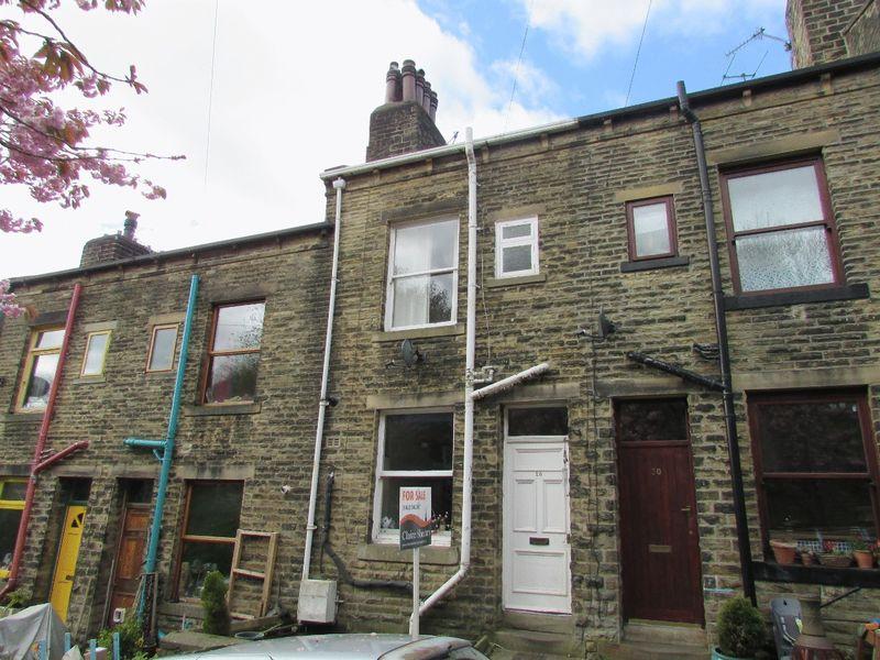 3 Bedrooms Terraced House for sale in Windsor Road, Hebden Bridge
