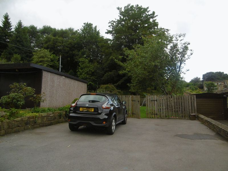 Cleveley Gardens, Mytholmroyd, HX7
