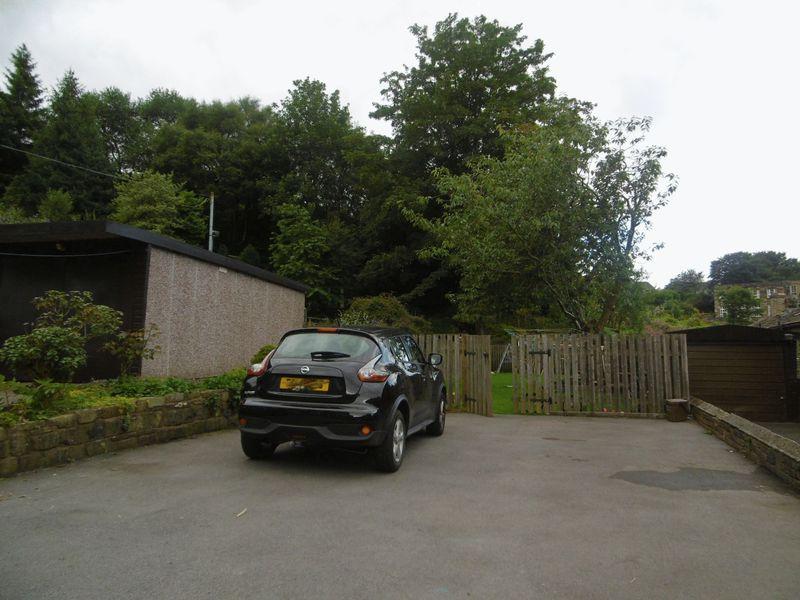 Cleveley Gardens, Mytholmroyd, HX7