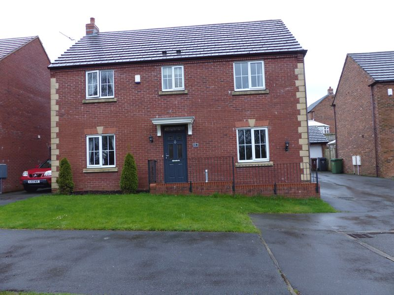 4 Bedrooms Detached House for sale in Doncasters Close, Moorside
