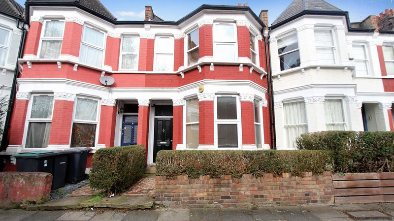 3 Bedrooms Terraced House for sale in Frobisher Road, Hornsey N8