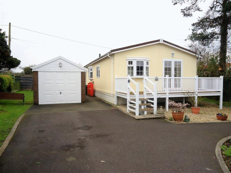 2 Bedrooms Bungalow for sale in Summer Lane Park Homes, Banwell
