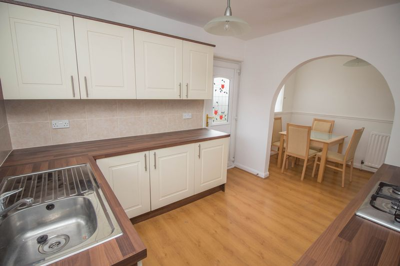 2 Bedrooms Semi Detached House for sale in Heddon View, Ryton