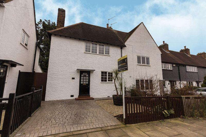 3 Bedrooms House for sale in Arsenal Road, Eltham SE9