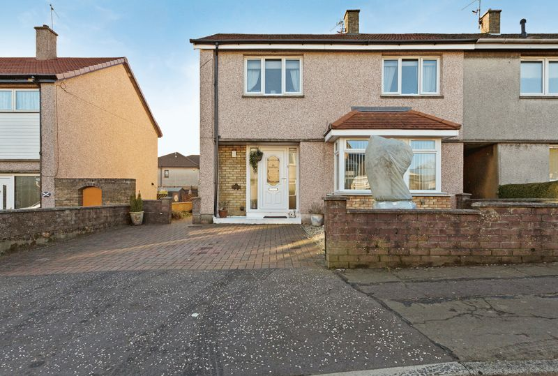 Blackburn Avenue, Dunfermline  Three Bed...