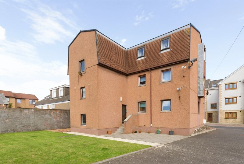 Miller Road, Dunfermline  One Bedroom Up...