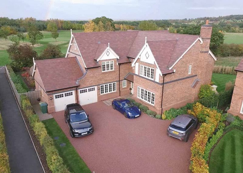 5 Bedrooms Detached House for sale in Stretton Green, Tilston