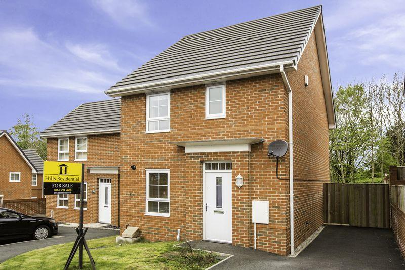 3 Bedrooms Semi Detached House for sale in Liebert Drive, Swinton