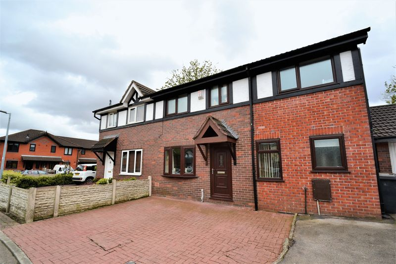 4 Bedrooms Semi Detached House for sale in Aegean Gardens, Salford