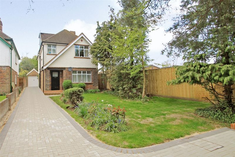 4 Bedrooms Detached House for sale in Send