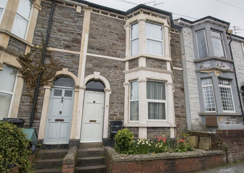 2 Bedrooms Terraced House for sale in Richmond Road, St George
