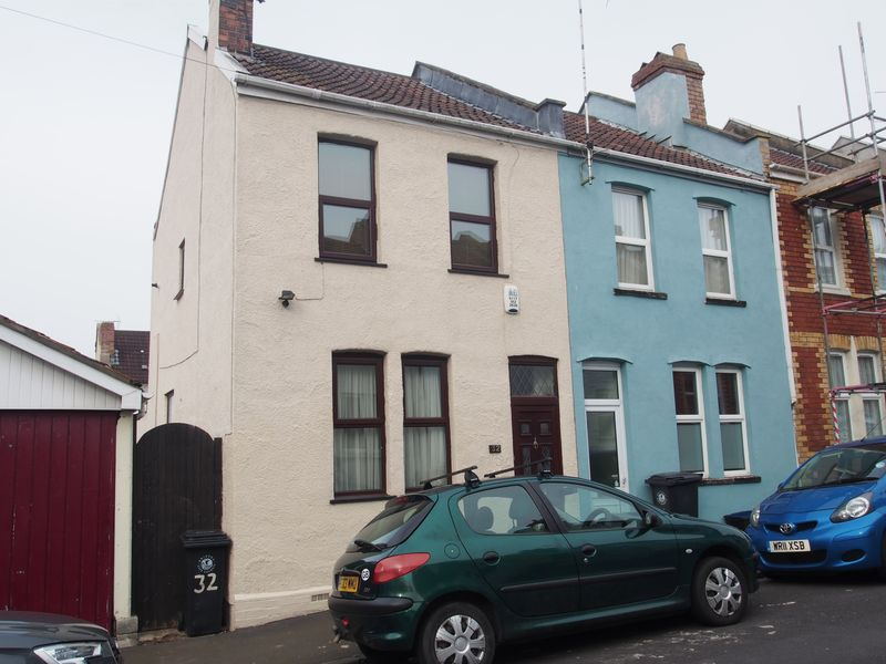 3 Bedrooms Terraced House for sale in Bowden Road, Bristol