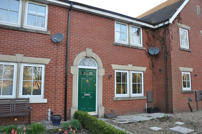 3 Bedrooms Terraced House for sale in Marlow Court, Adlington, Chorley