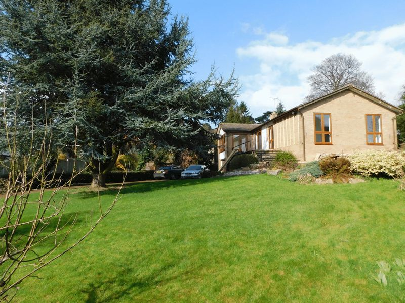 3 Bedrooms Detached Bungalow for sale in Top Road, Acton Trussell, Stafford