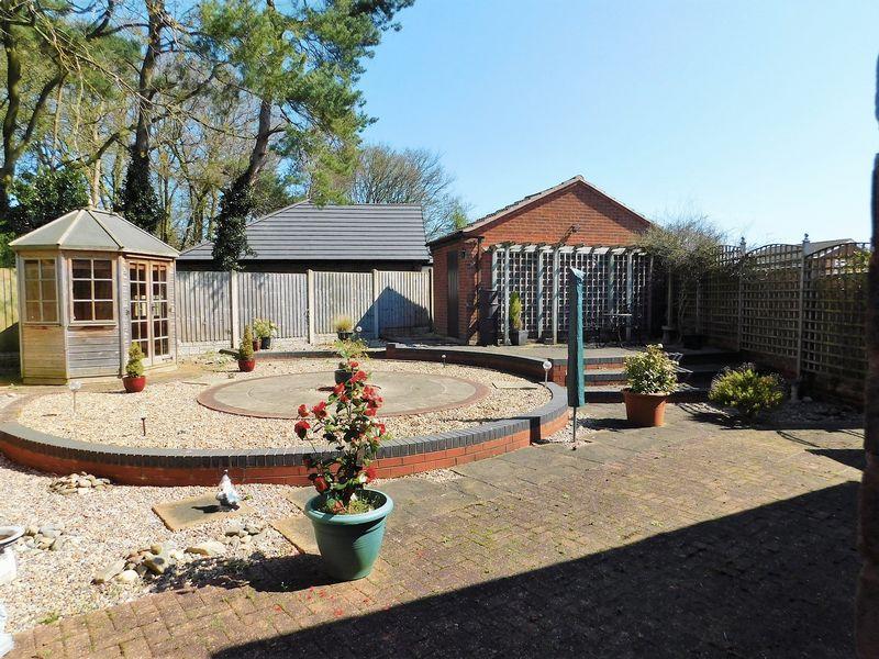 Lapley Avenue Creswell Manor Farm
