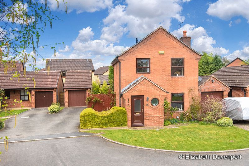 4 Bedrooms Detached House for sale in Riley Close, Kenilworth