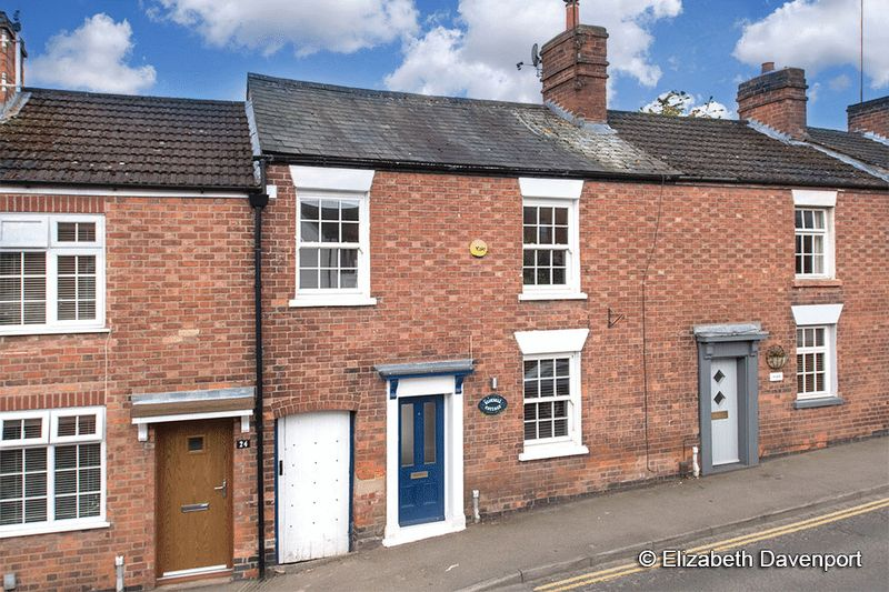 3 Bedrooms Terraced House for sale in Spring Lane, Kenilworth
