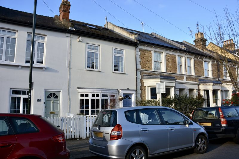 4 Bedrooms Terraced House for sale in Wick Road, Teddington