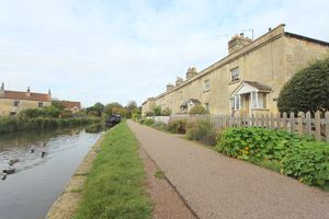 Canal Terrace Bathampton